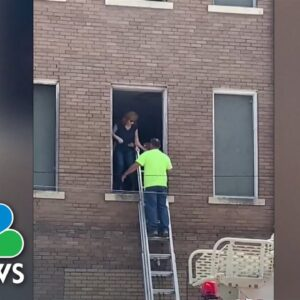Reba McEntire Rescued From Historic Building After Stairwell Collapse
