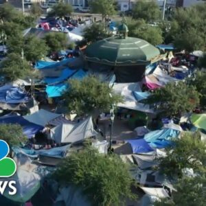 Crowded Border Camp Under Threat From Covid